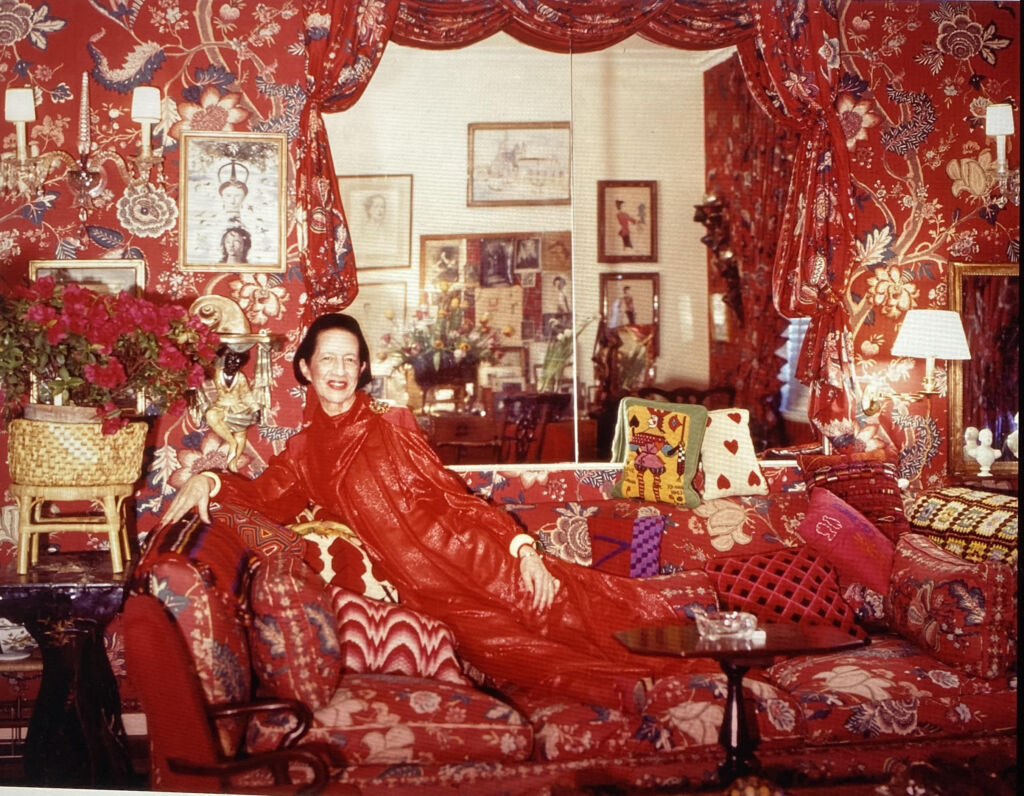 Diana Vreeland, The Grande Dame of Fashion, at home HAND WRITTEN SINGLE PIC ACCROSS